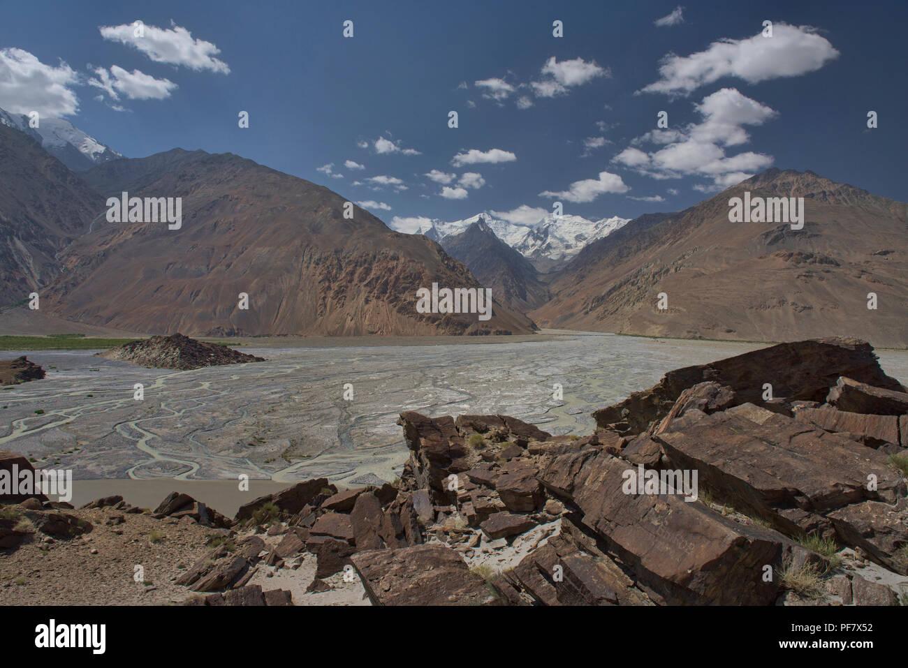 The Wakhan Valley and Afghanistan Hindu Kush, Vikchut, Tajikistan - Stock Image