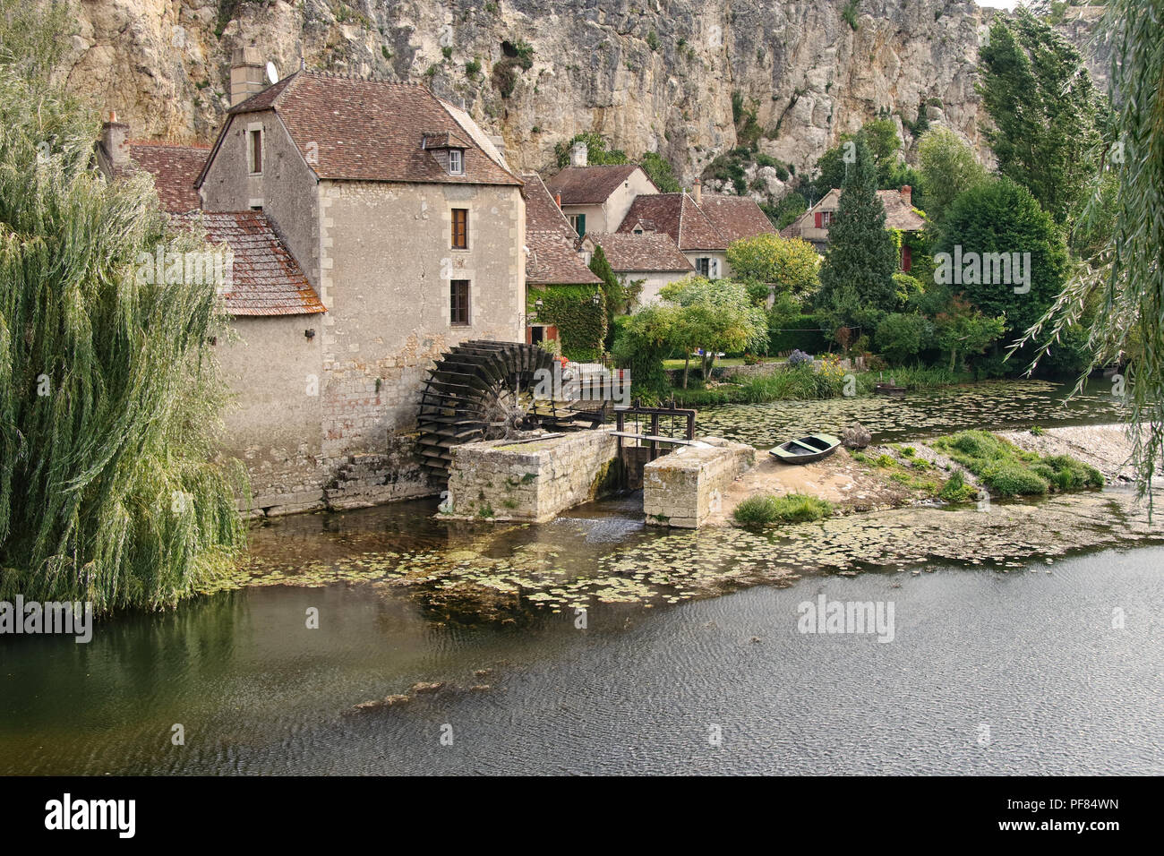 Old riverside Watermill in Vienne in the Limousin area of France - Stock Image