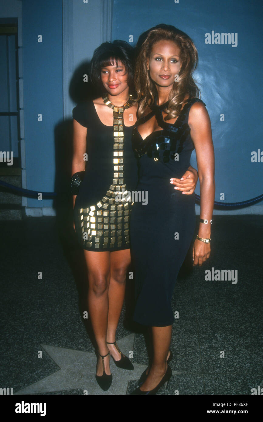 Hollywood Ca June 28 Model Beverly Johnson R And Her Daughter Anansa Johnson L Attend Paramount