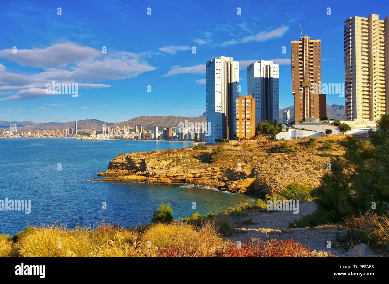 Hochhäuser und Strand in Benidorm, Costa Blanca, Spanien - waterfront skyscrapers and beach in Benidorm, Costa Blanca, Spain Stock Photo
