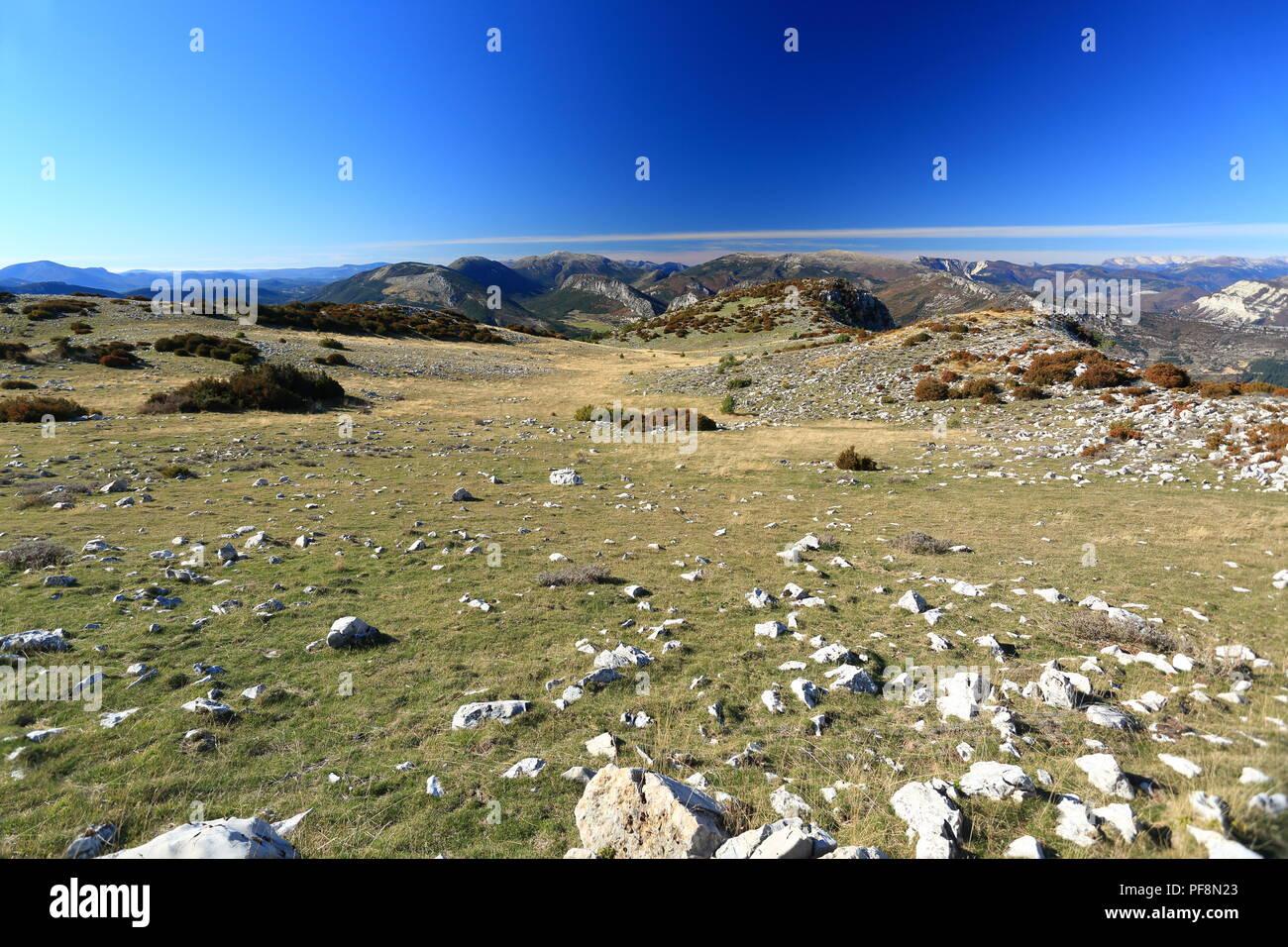 Vallee de l'Esteron, Vue depuis le Mont Arpille, Arriere pays Grassois, Prealpes d'azur, Alpes Maritimes, 06, PACA, France - Stock Image