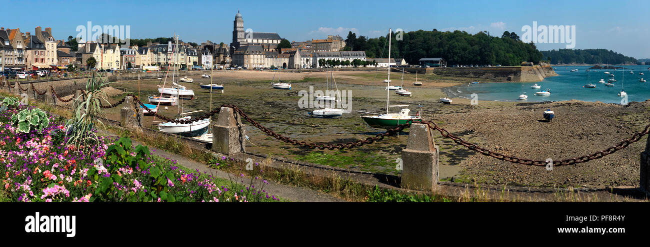 Panoramic view at low tide at the Solidor waterfront in the port of Saint Malo on the north coast of Brittany in France - Stock Image