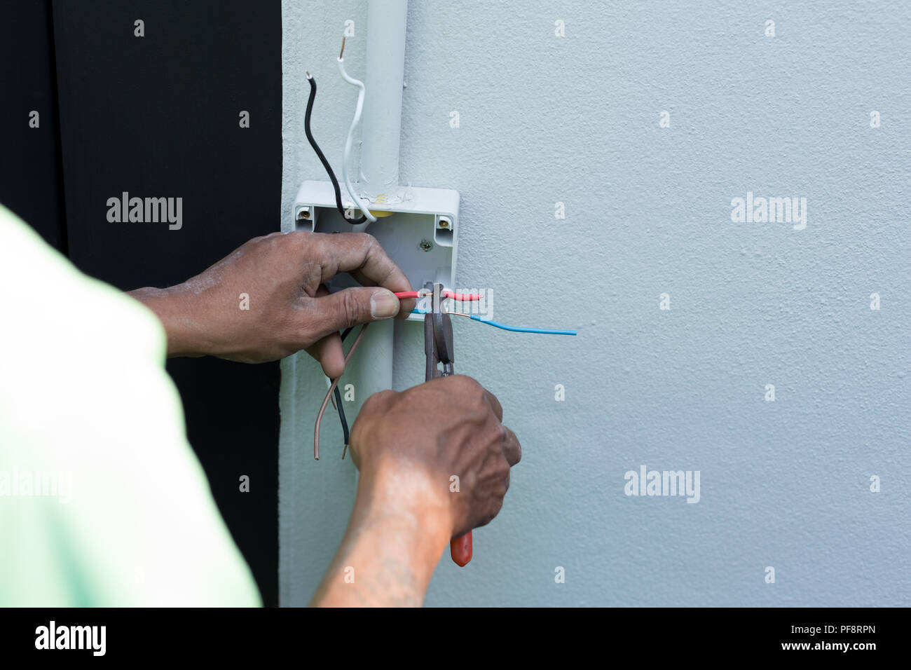 Electric Metal Wire Cutter Stock Photos & Electric Metal Wire Cutter ...