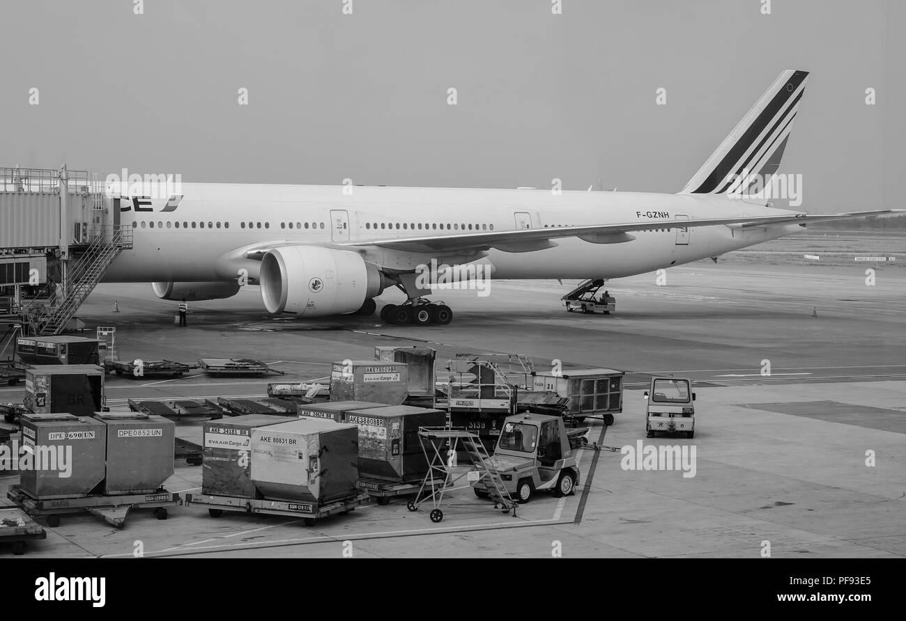 Saigon, Vietnam - Feb 1, 2017. Passenger airplanes docking at Tan Son Nhat Airport in Saigon (Ho Chi Minh City), Vietnam. - Stock Image