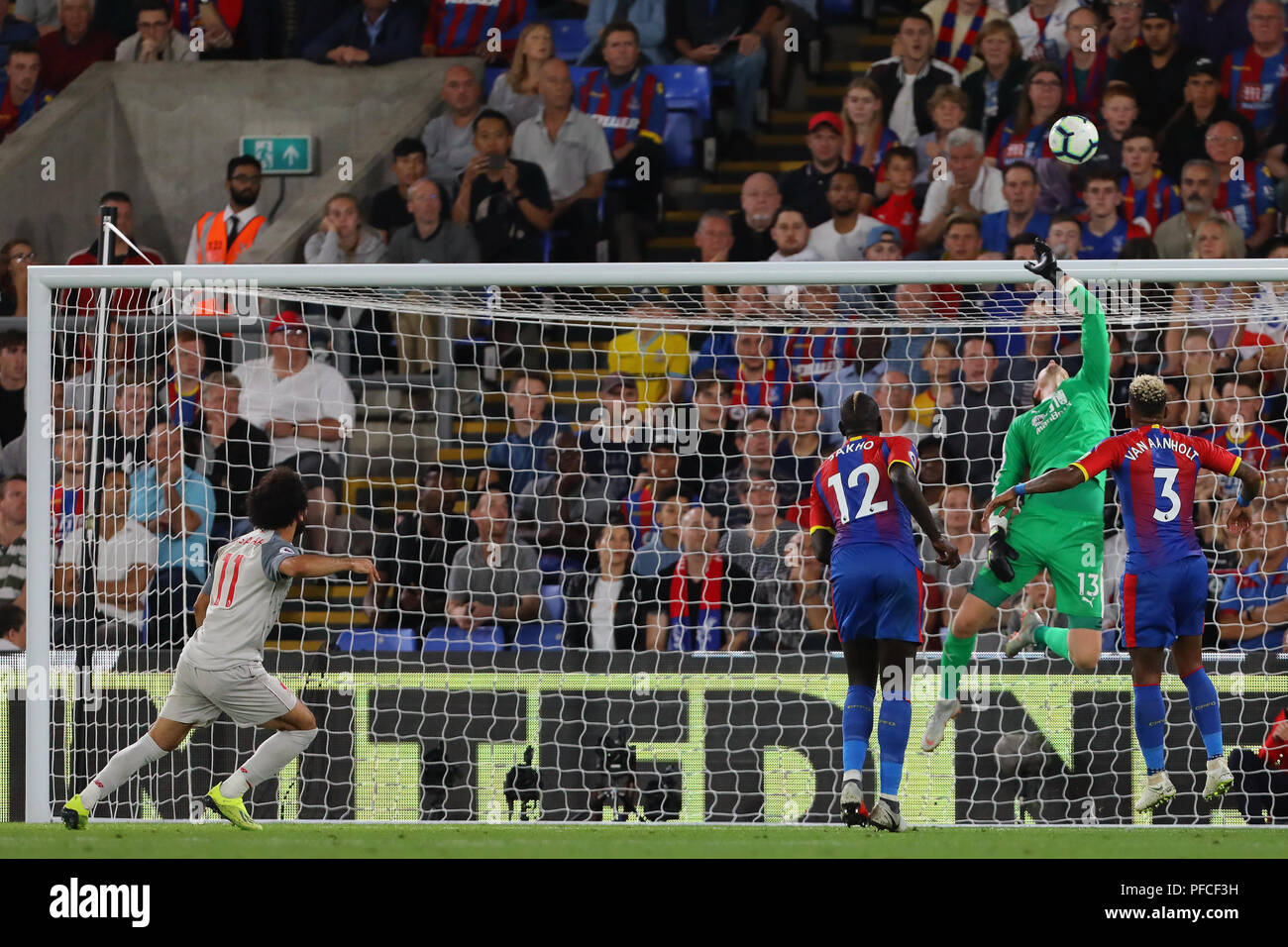 Wayne Hennessey of Crystal Palace tips over an effort from Mohamed Salah of Liverpool - Crystal Palace v Liverpool, Premier League, Selhurst Park, London (Selhurst) - 20th August 2018 Stock Photo
