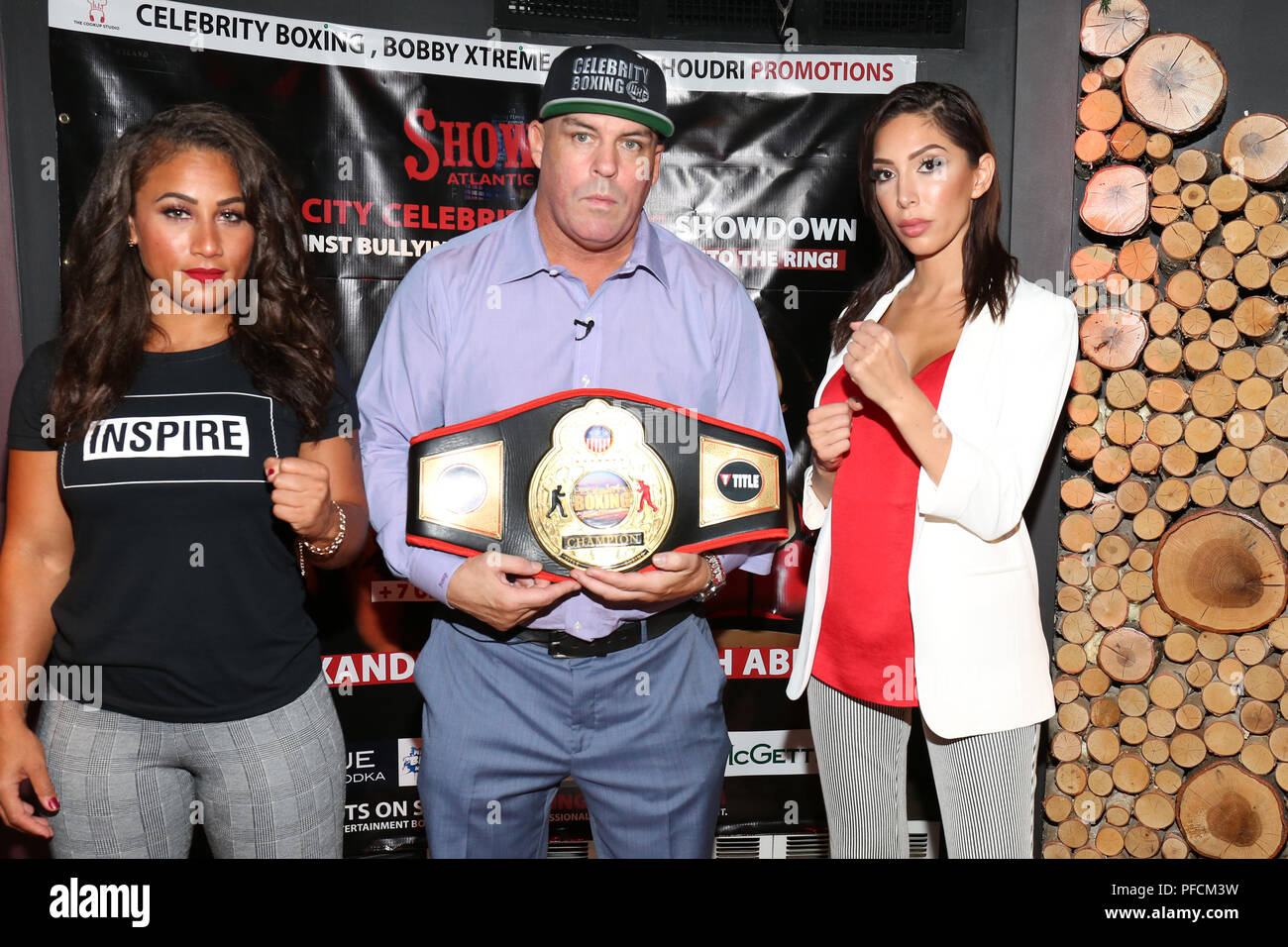 New york ny usa 21st aug 2018 nicole hoopz alexander damon nicole hoopz alexander damon feldman and farrah abraham at the press conference at mcgettigans in new york city promoting the upcoming celebrity boxing m4hsunfo