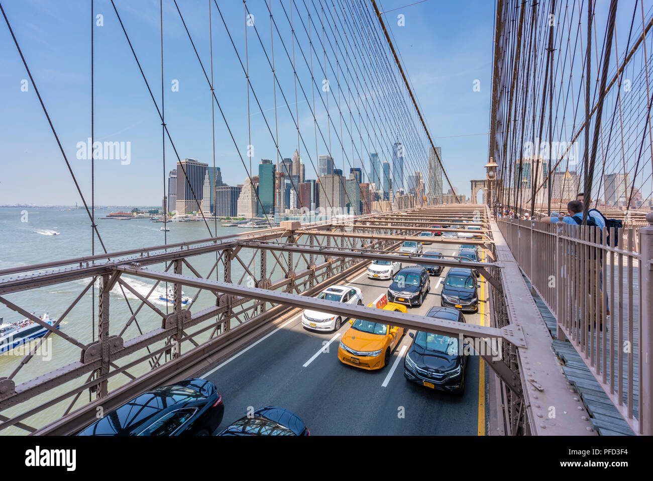 Traffic on the Brooklyn Bridge in New York City - Stock Image