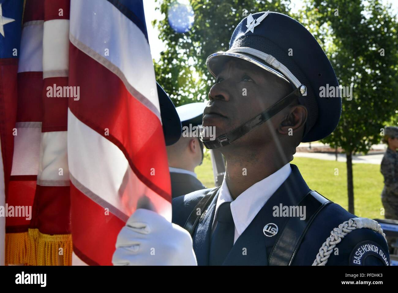 High Massing Stock Photos Images Alamy Redknot Shoes Tech Brown Sgt David Mile Honor Guard Member Straightens The Flag