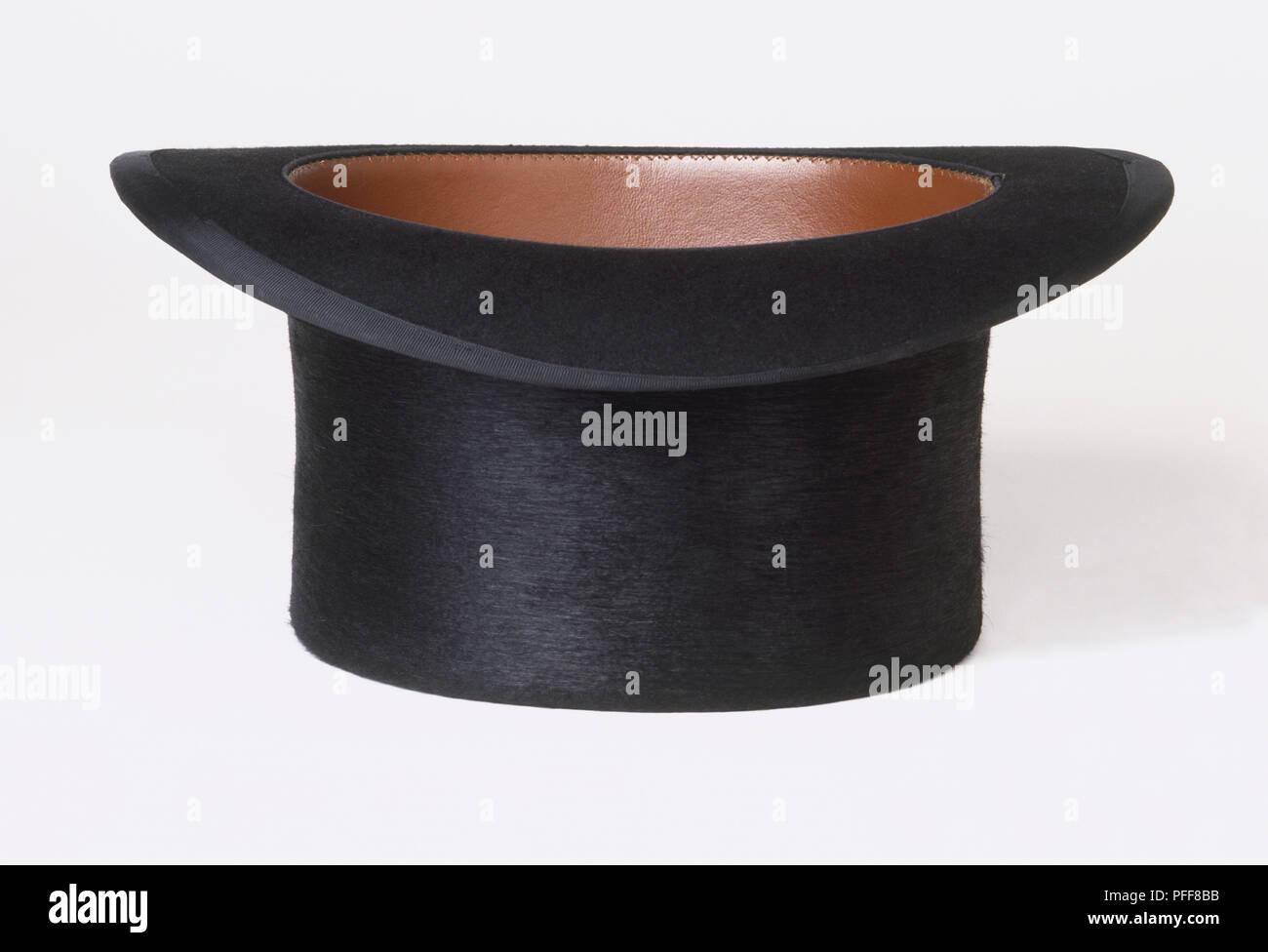 97c1510458761 Top Hat Upside Down