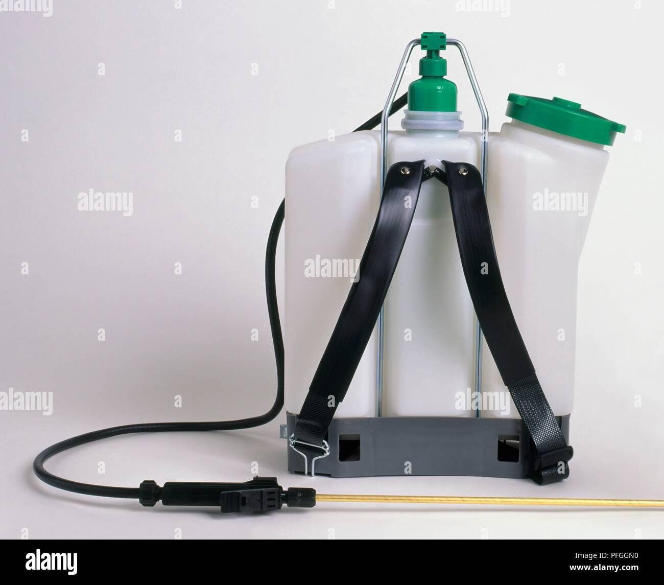 Knapsack Spraying Stock Photos & Knapsack Spraying Stock Images - Alamy