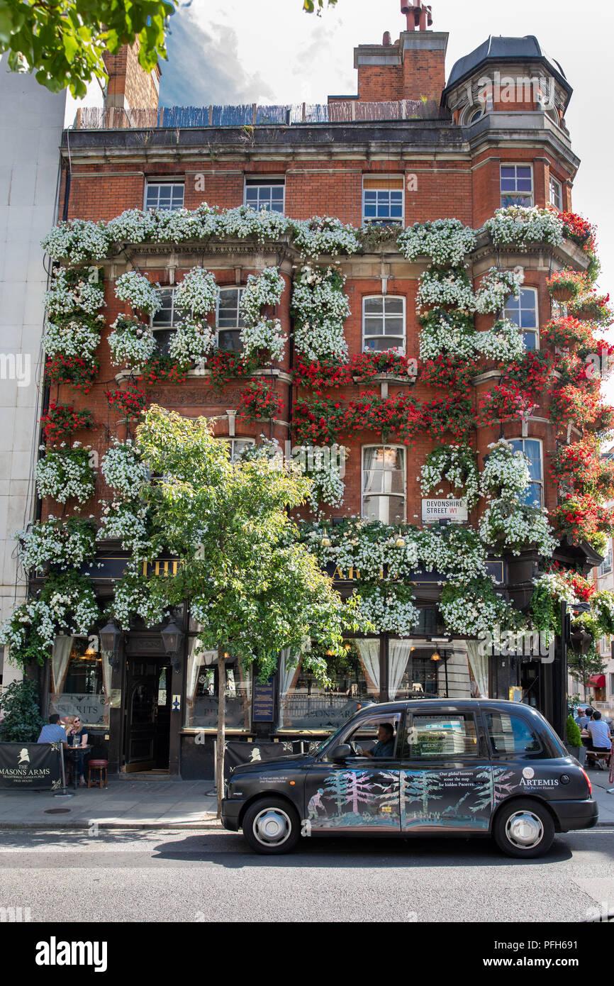 The Masons Arms pub in Devonshire Street, Marylebone, London, UK - Stock Image