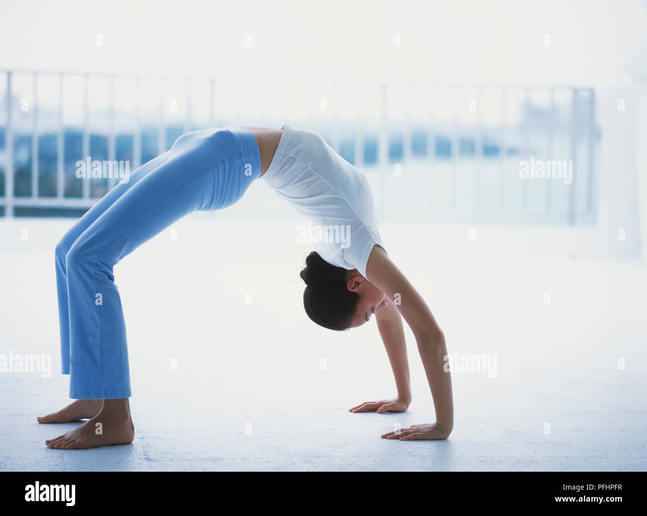 Arched Spine Stock Photos & Arched Spine Stock Images - Alamy