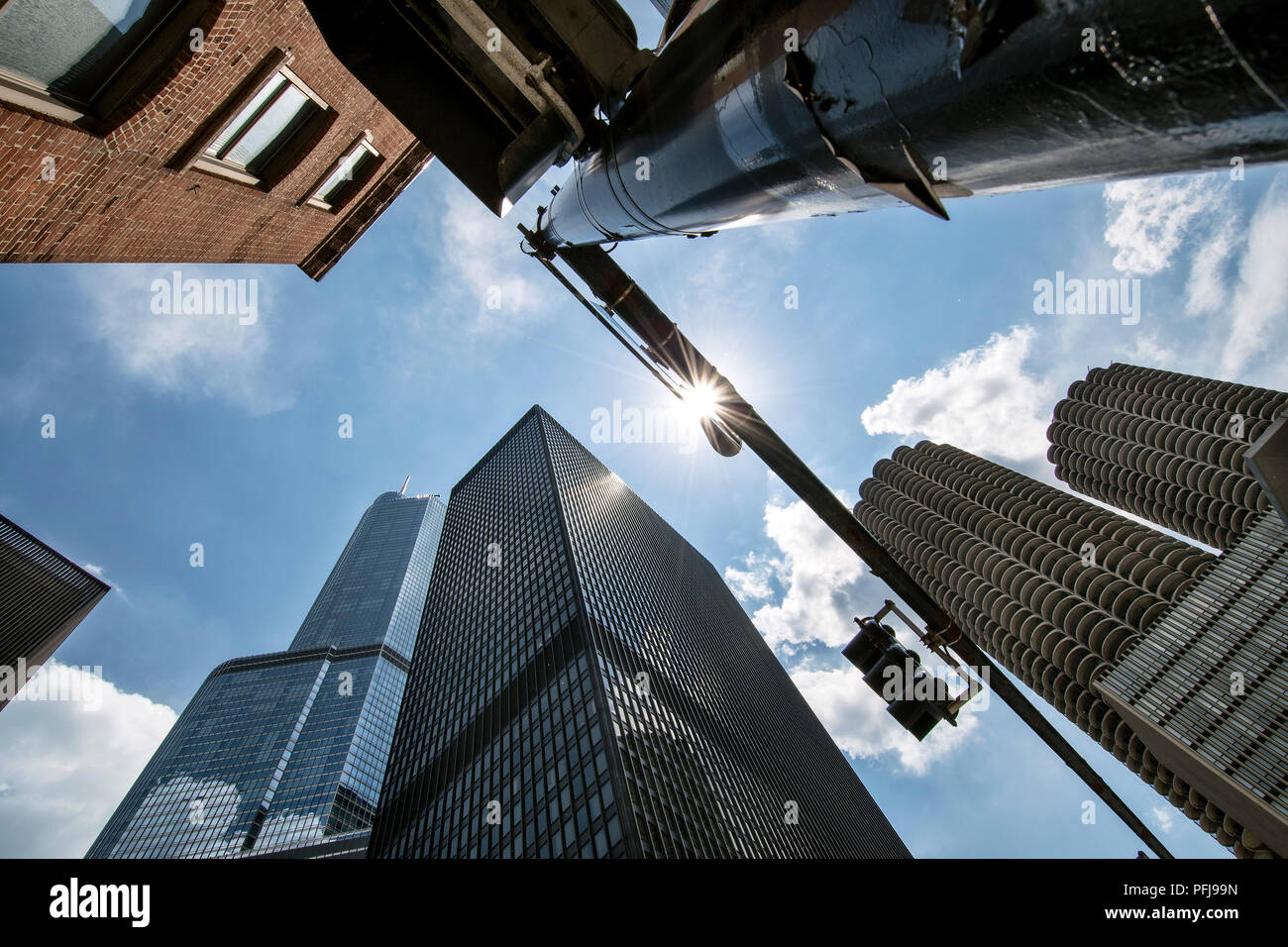 Downtown Chicago skyscrapers, (from right) Marina Towers, The Langham, Trump Tower. - Stock Image