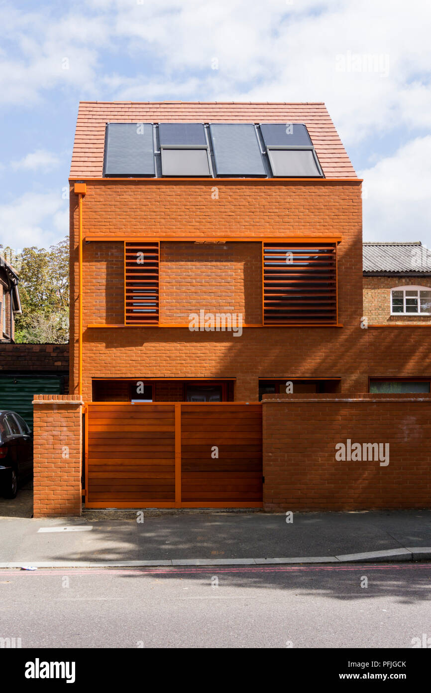 This house to Passivhaus standards by Pace Jefford Moore Architects at 20 Ambleside Avenue, Streatham, has been nominated for the 2018 Carbuncle Cup. - Stock Image
