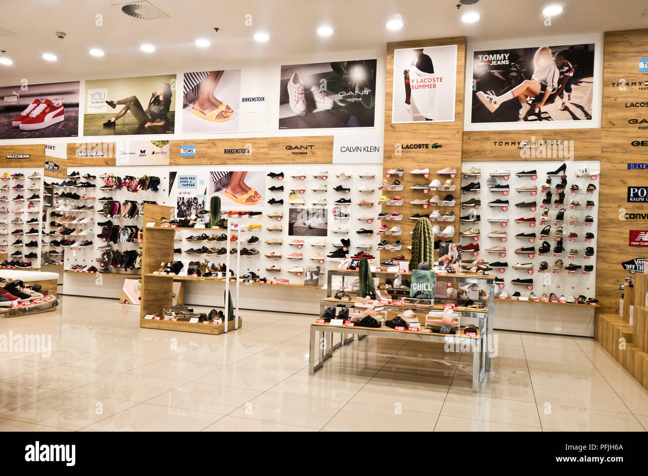 Shoes Shop Stock Photos & Shoes Shop Stock Images Alamy