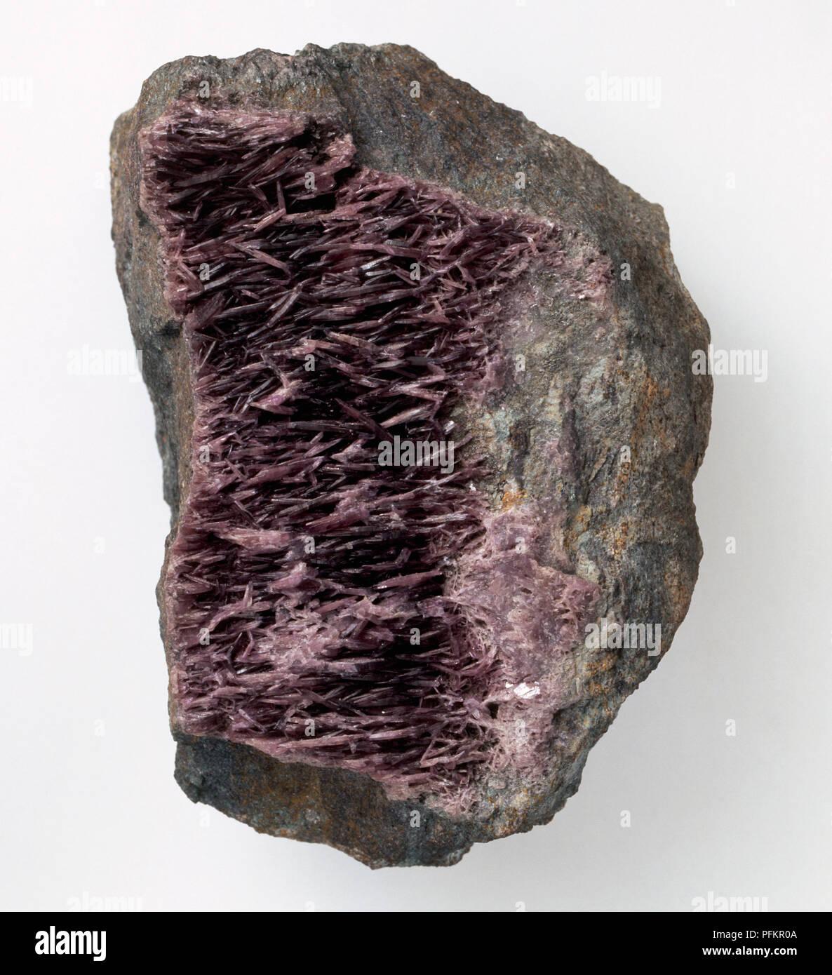 Diaspore crystals in emery groundmass, close-up - Stock Image