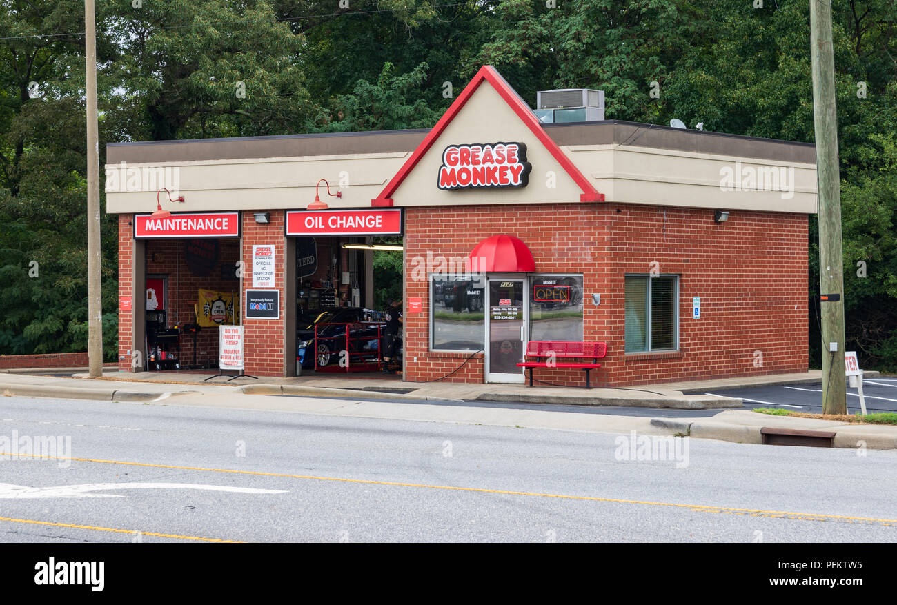 9f3f90fa7cc Grease Monkey Stock Photos   Grease Monkey Stock Images - Alamy