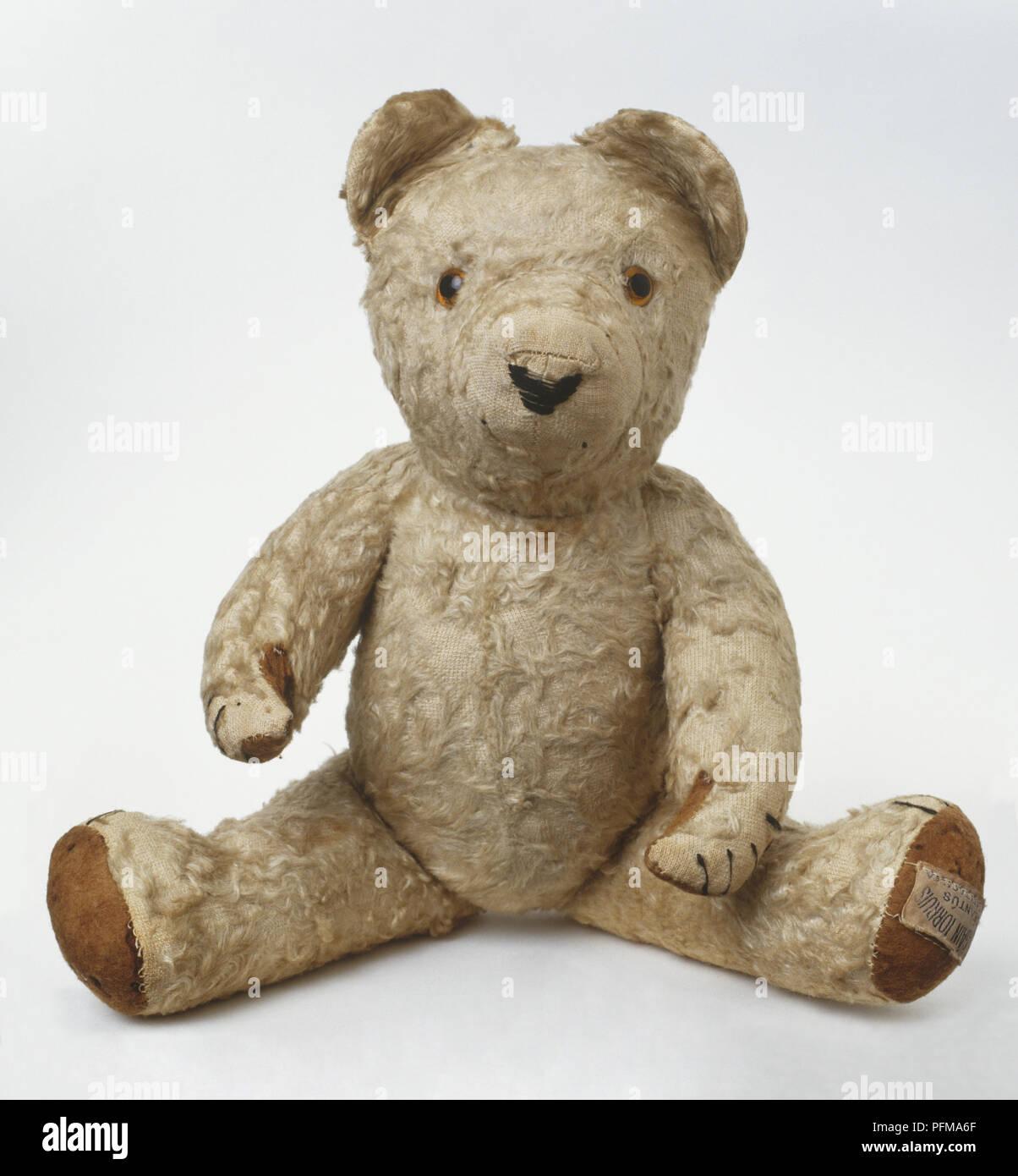 Ireland: 1938-39: 1950s dark mohair plush teddy bear, front view - Stock Image