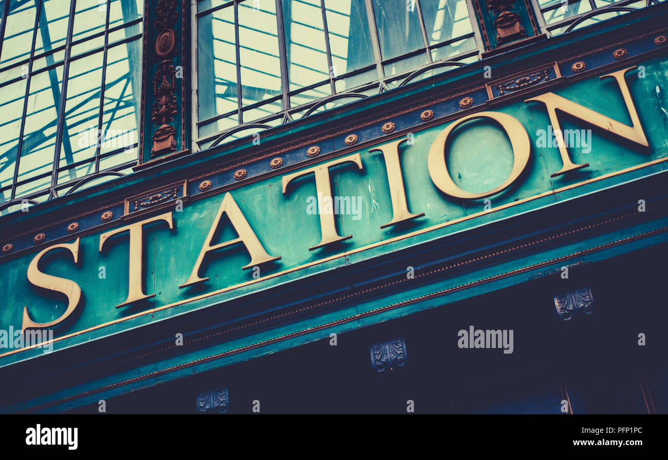 Grungy Sign At A British Railway Station (Glasgow Central Station) - Stock Image