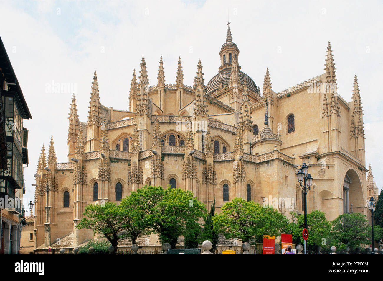 Spain, Segovia Cathedral, 16th century Gothic exterior - Stock Image