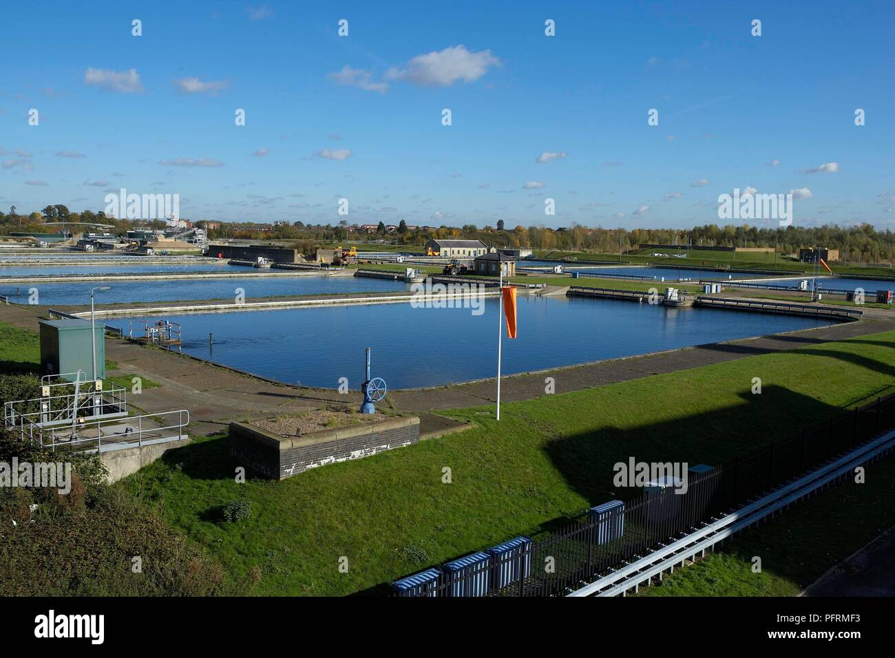 Great Britain, England, Middlesex, reservoirs at Kempton Park Pumping Station Stock Photo