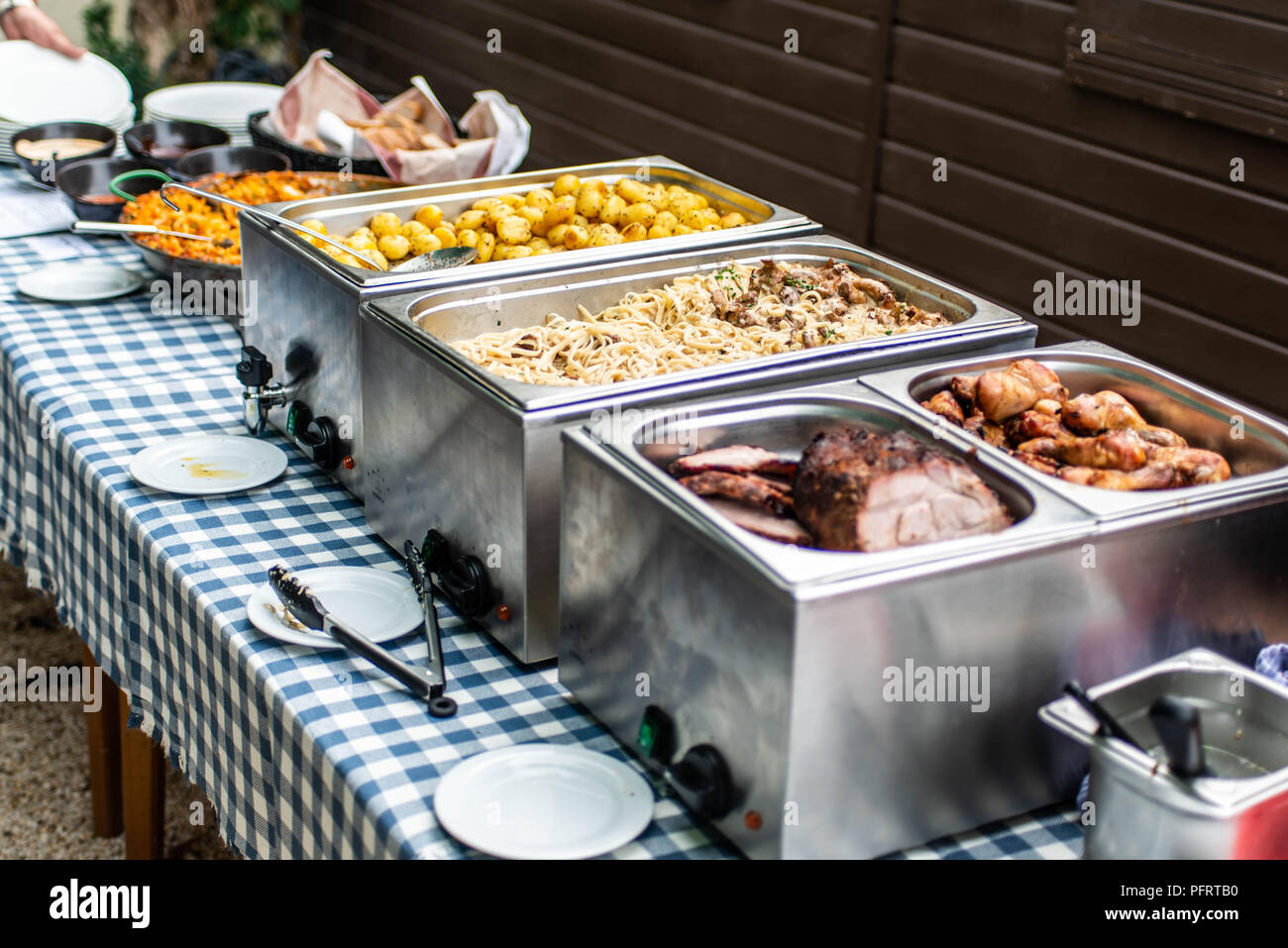 Merveilleux Party Brunch Big Buffet Table Setting With Food Meat ...