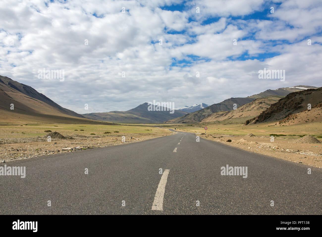 Trans Himalayan Manali - Leh highway in Himalayas. More plains, Ladakh, Jammu and Kashmir, India. - Stock Image