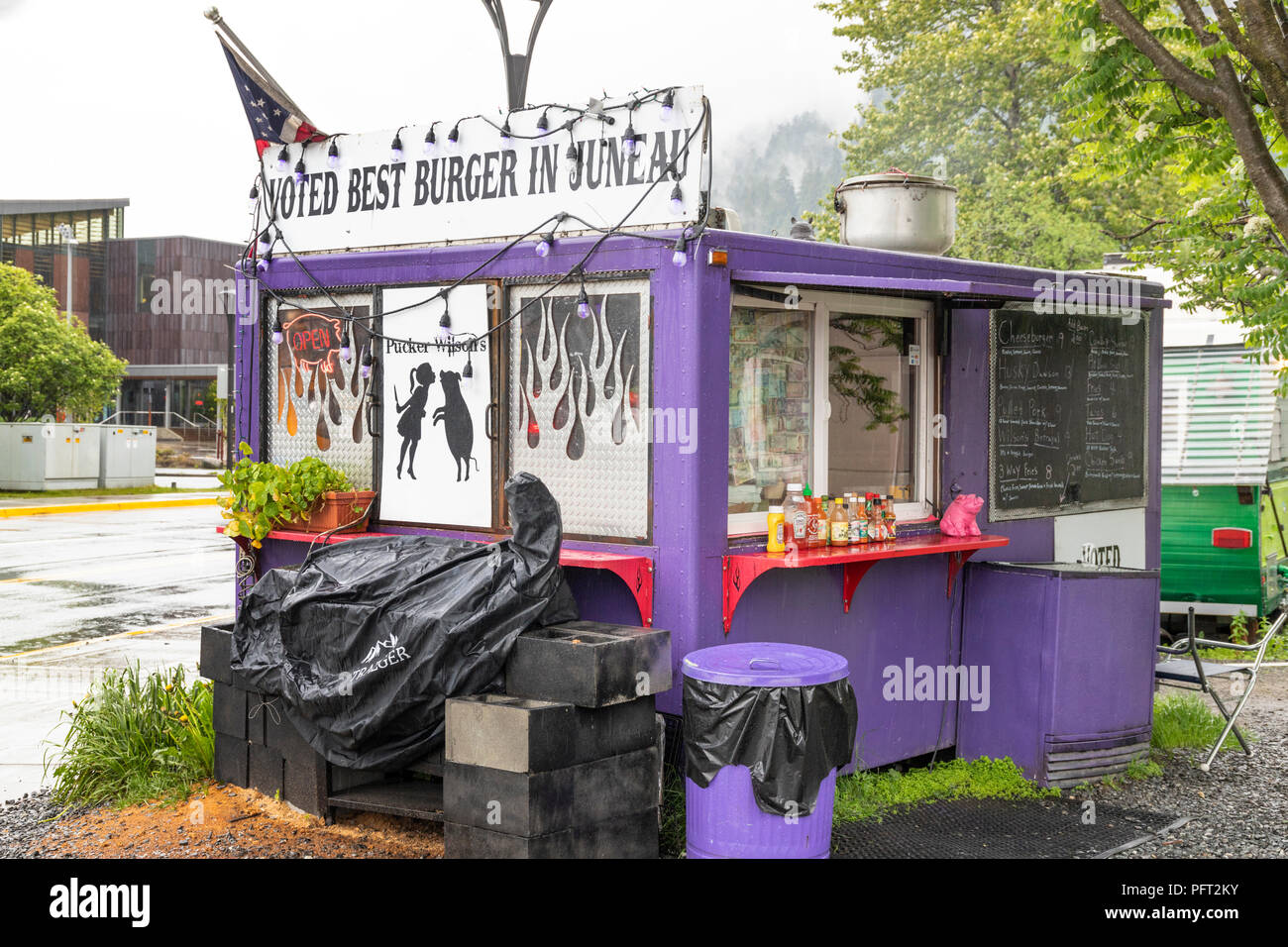 Best burger in town outlet on a rather wet day in Juneau the capital city of Alaska, USA - Stock Image