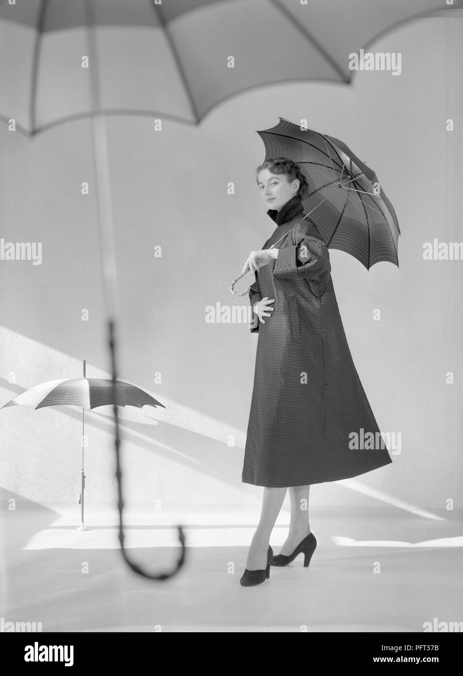 1950s Fashion Model Stock Photos Amp 1950s Fashion Model