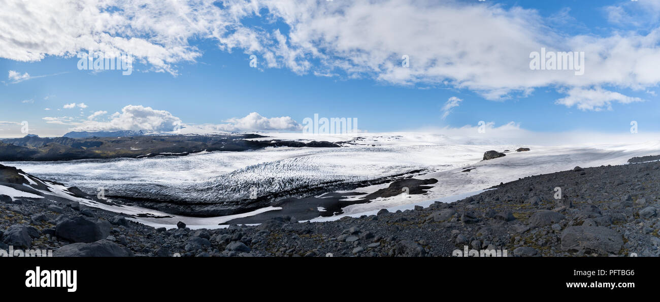 A panoramic view of Myrdalsjokull Glacier in summer. - Stock Image