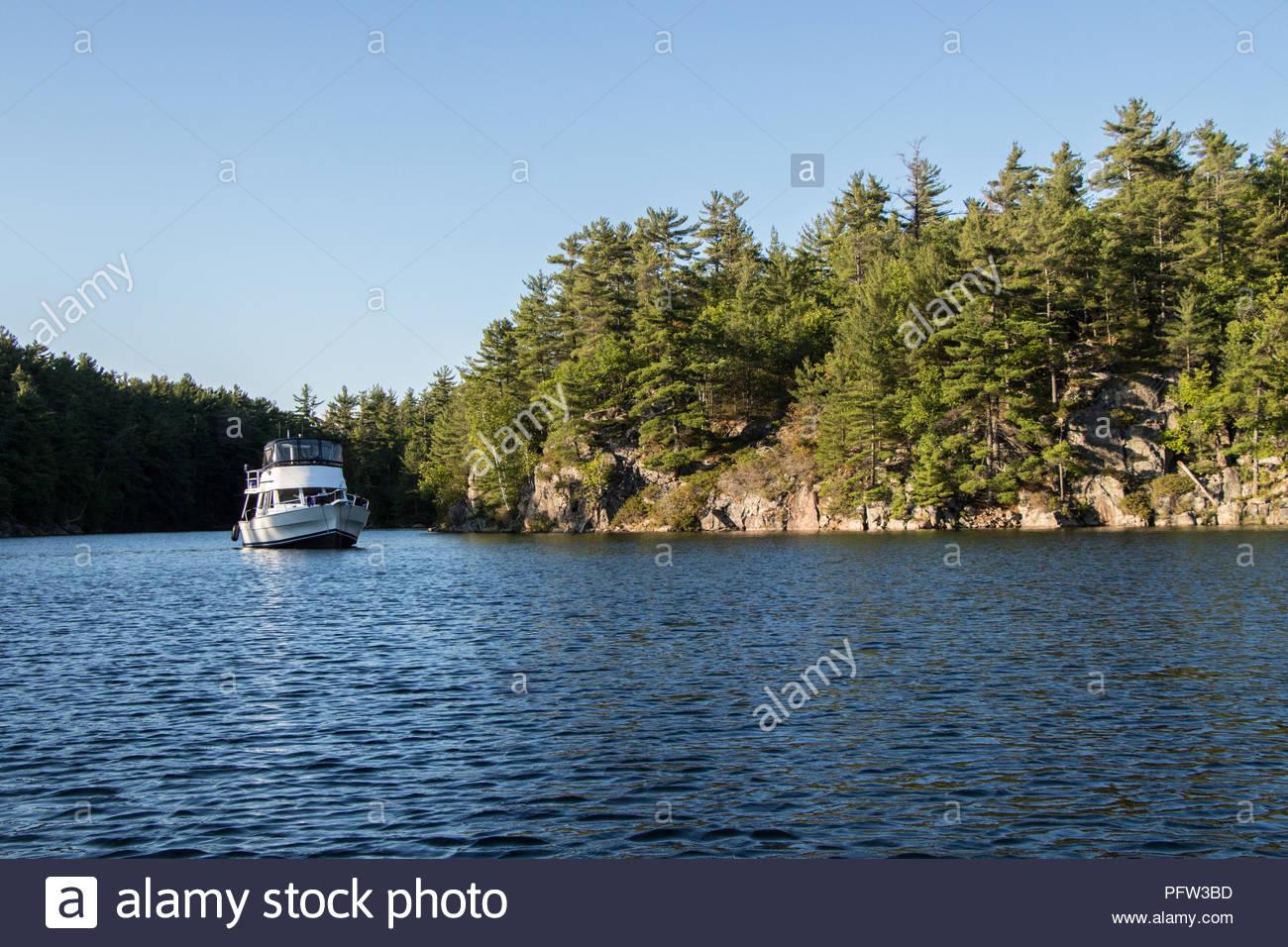 Canadian lakes singles