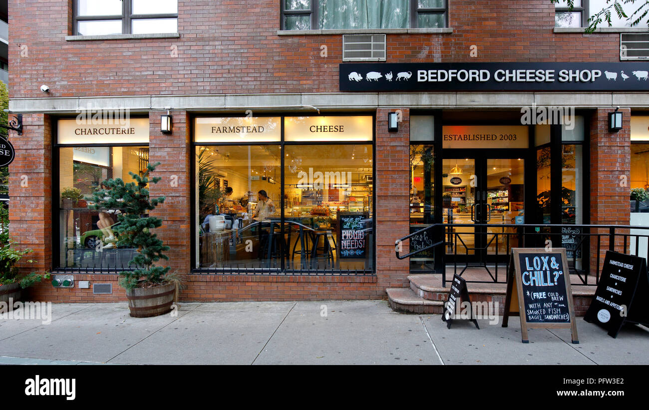 Bedford Cheese Shop, 265 Bedford Ave, Brooklyn, NY - Stock Image