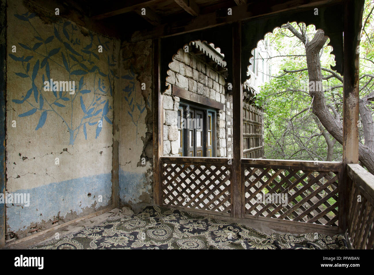 A wooden veranda at Khan's Palace, Turtuk village, Shyok valley, Ladakh, Jammu & Kashmir, India - Stock Image