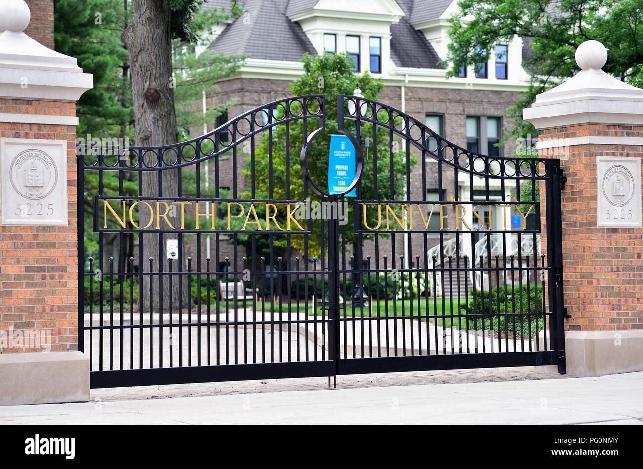 Chicago, Illinois, USA. Gate to the campus of  North Park University. The private university is located on Chicago's northwest side. - Stock Image