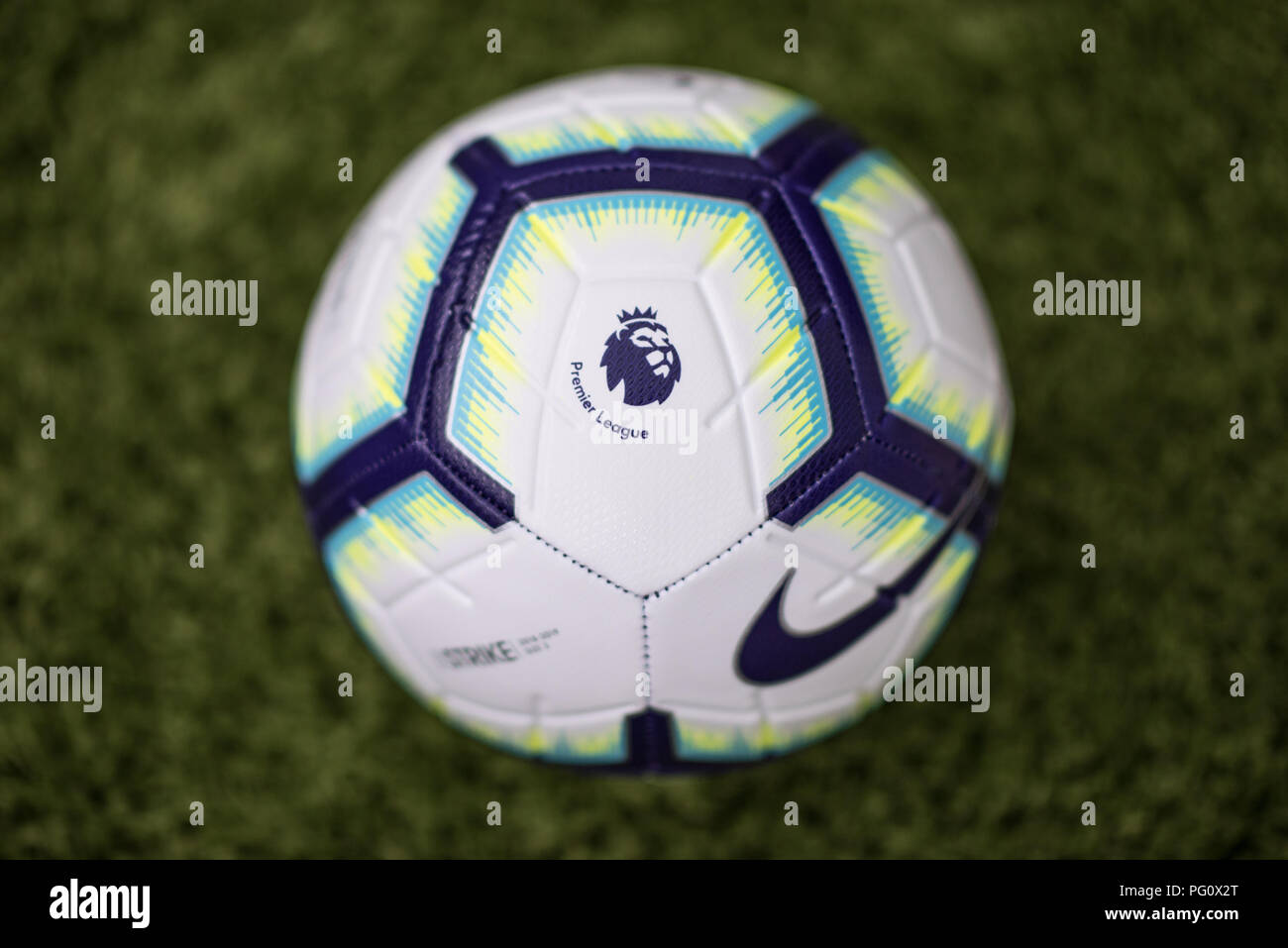 3fba65541a60f Nike Merlin ball for 2018 19 Premier League season Stock Photo ...