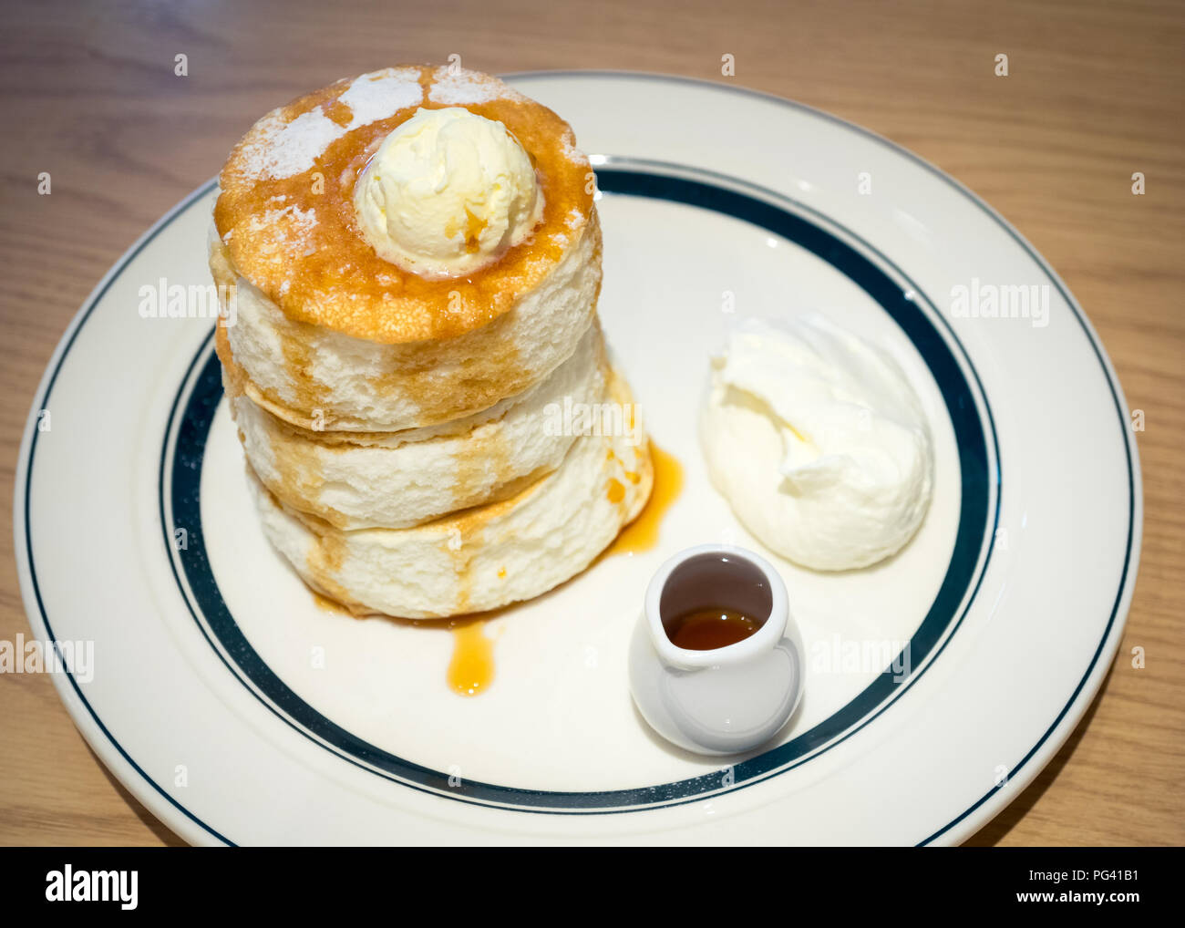Premium Japanese soufflé pancakes from Café Gram and Pancakes in HIroshima, Japan. - Stock Image