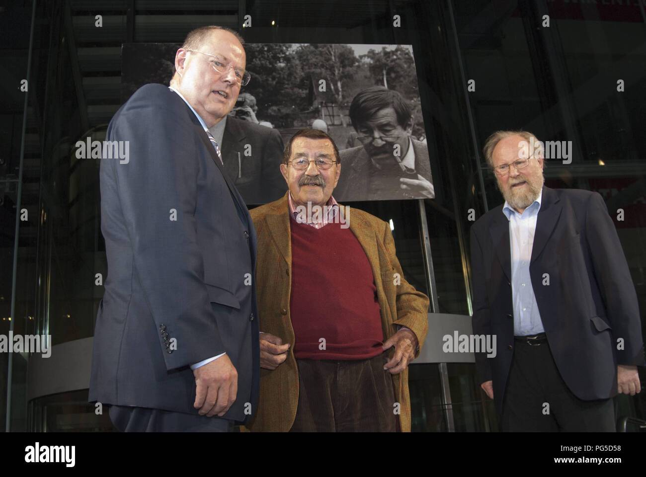 'Berlin, GER, 26.06.2013: Book presentation in Willy-Brandt-House: ''Willy Brandt and Guenter Grass: The letter exchange'' with Guenter Grass, writer and Peer Steinbrueck, SPD-politician and chancellor candidate. Read with Wolfgang Thierse, SPD.' - Stock Image