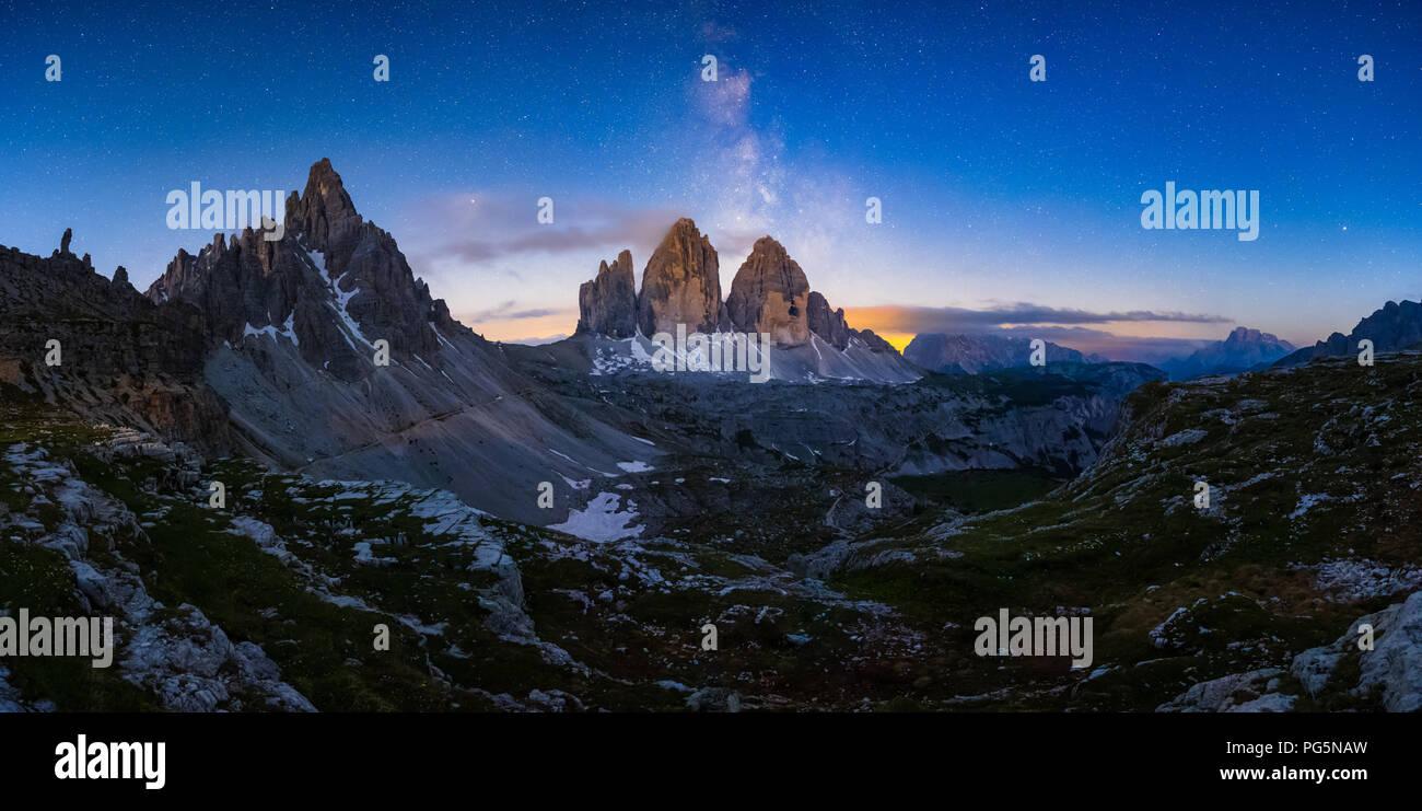 Mliky way over the Tre Cime, Alps Mountain, Dolomites, Italy - Stock Image