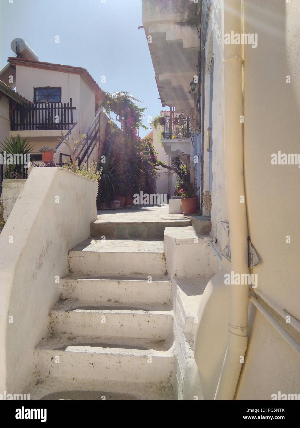 Greece, the island of Poros near Athens.  The old town. Steep whitewashed staircases - Stock Image