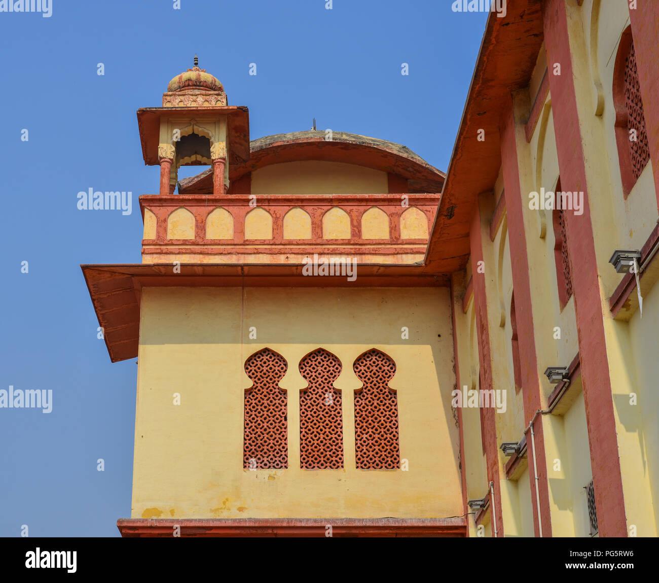 Pushkar, India - Nov 5, 2017. Details of an old palace at downtown in Pushkar, India. - Stock Image