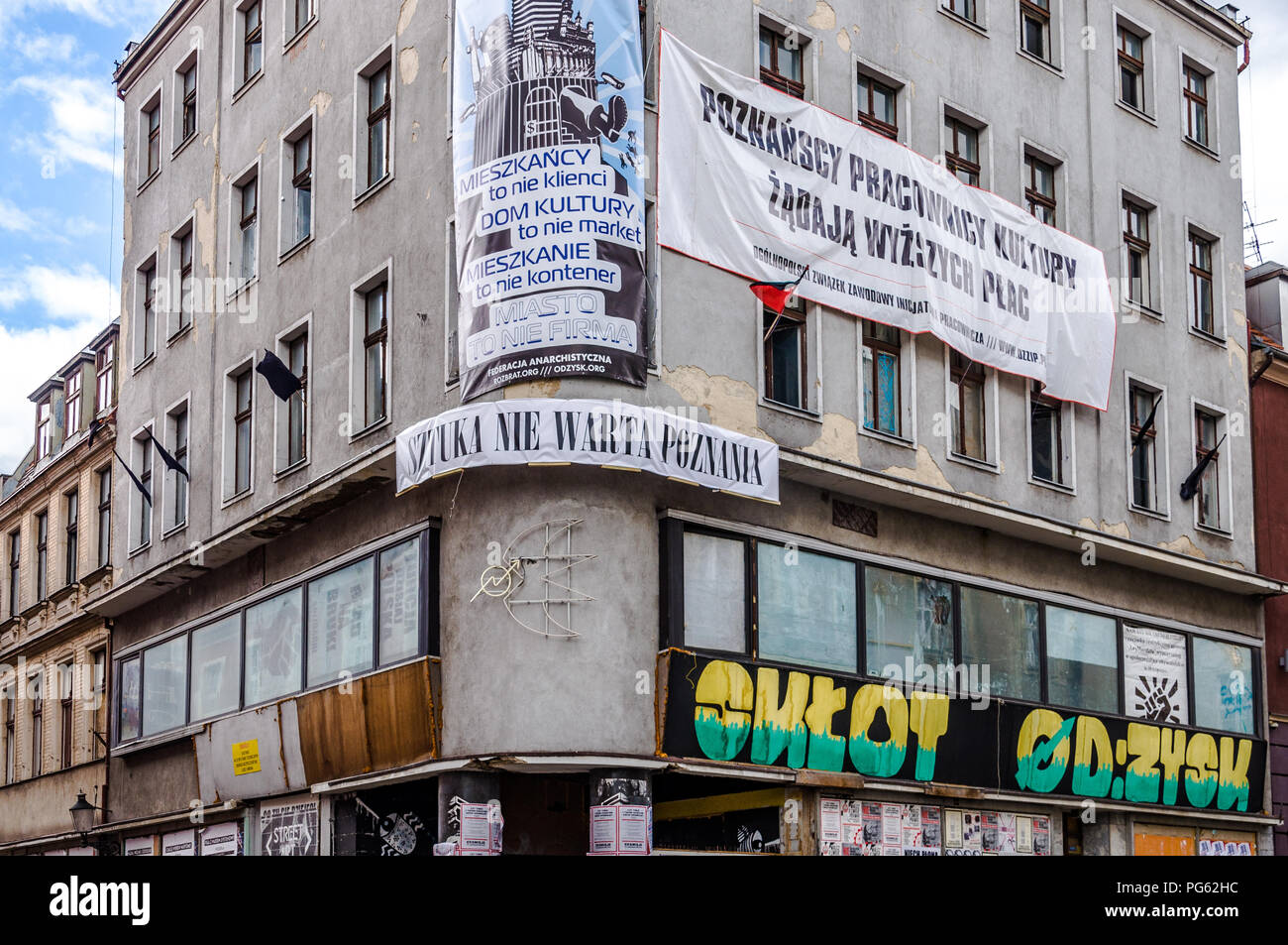An anti capitalist squat in the centre of Poznań (Poznan), Poland - Stock Image