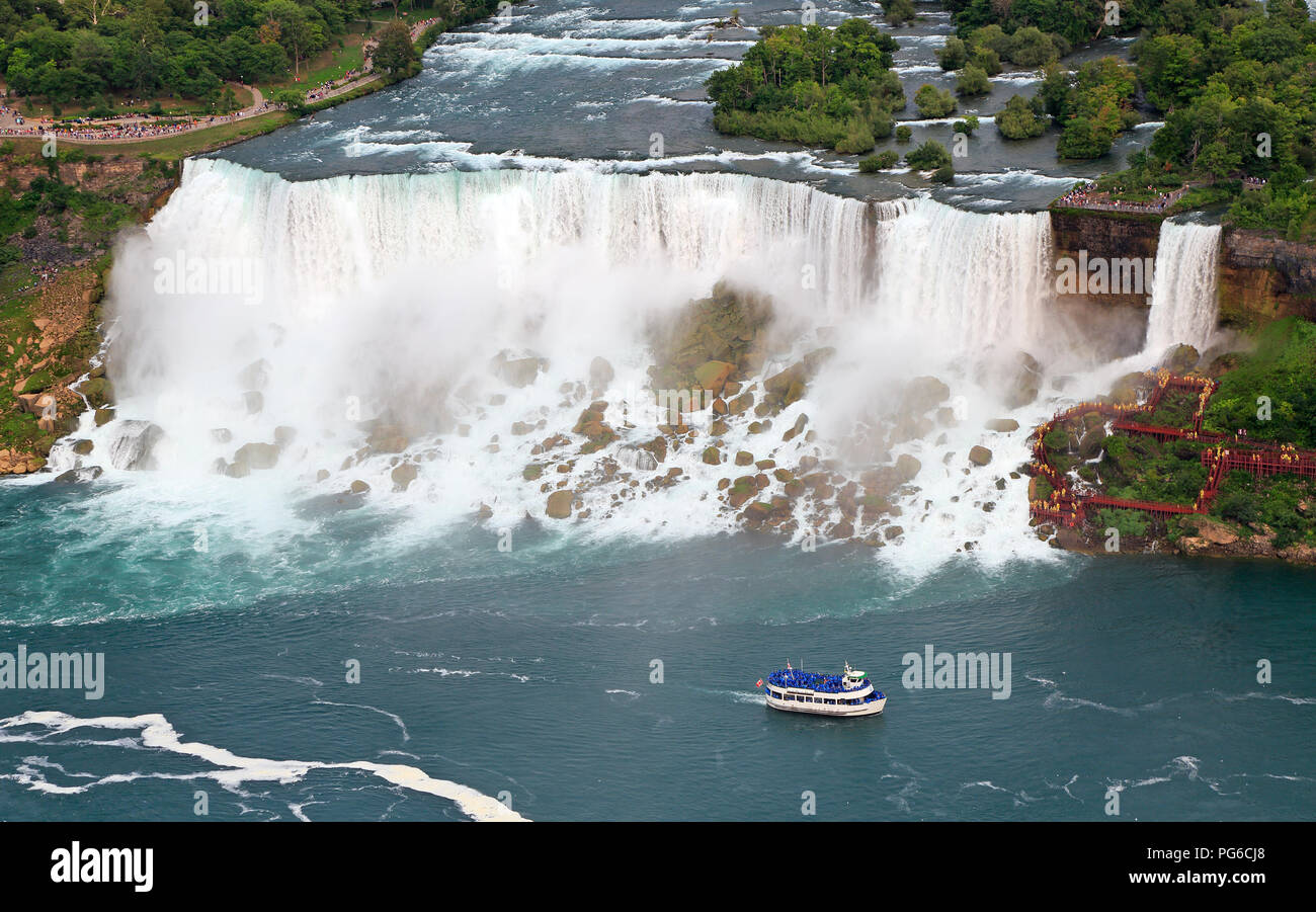 American Falls and Maid of the Mist boat on Niagara River, aerial view - Stock Image