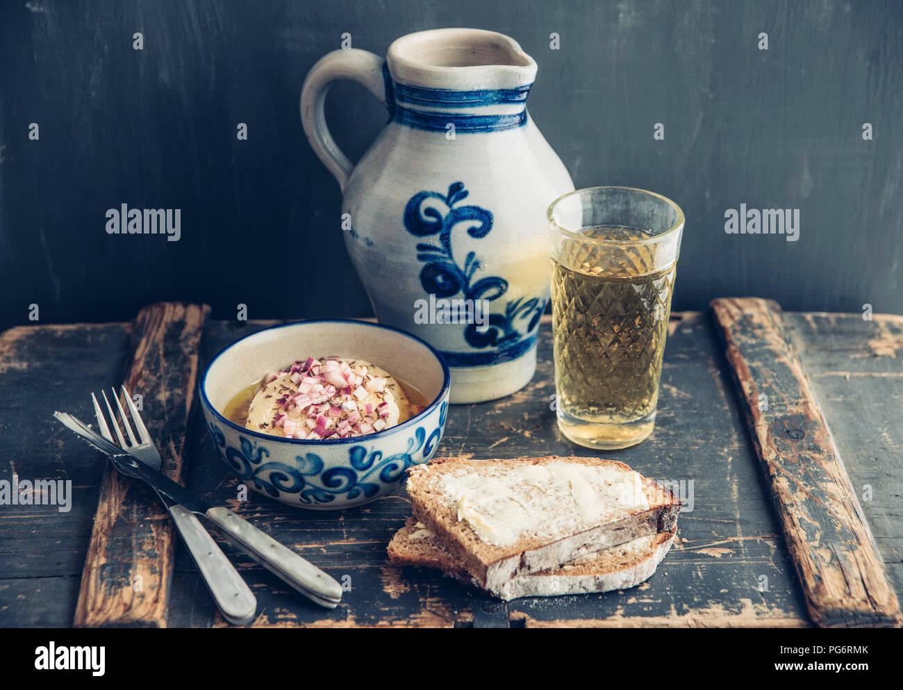 Hessian (Frankfurter) Apfelwein with Bembel - Stock Image