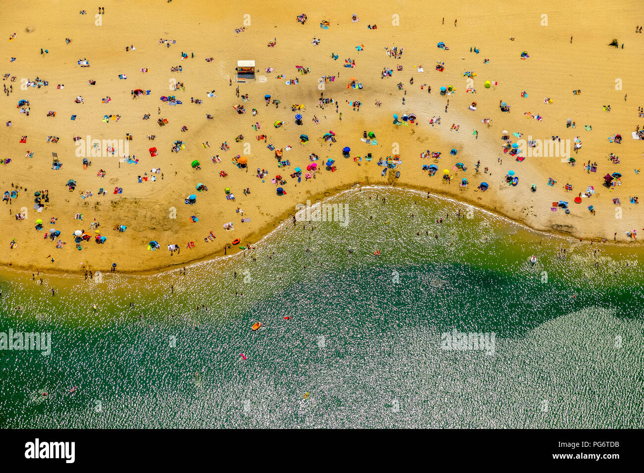 most popular beach of the Ruhr area is located at Silver Lake II in Haltern am See, sand and water, Caribbean feeling, lido, turquoise water, bathers, - Stock Image