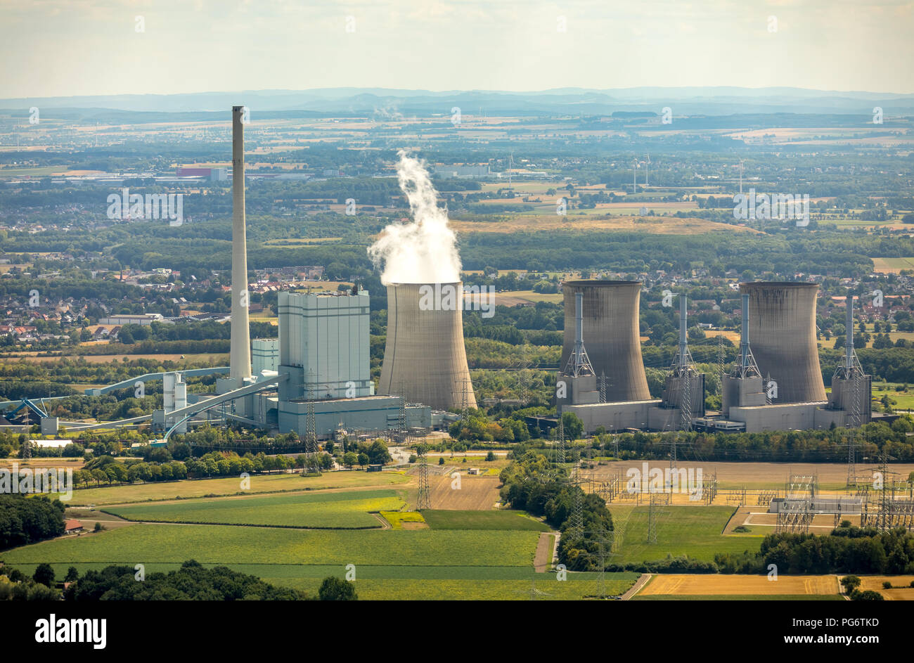 Gersteinwerk, combined steam power plant hard coal and natural gas, RWE AG in the Werner district Stockum, cooling towers, water vapor, emission, chim - Stock Image