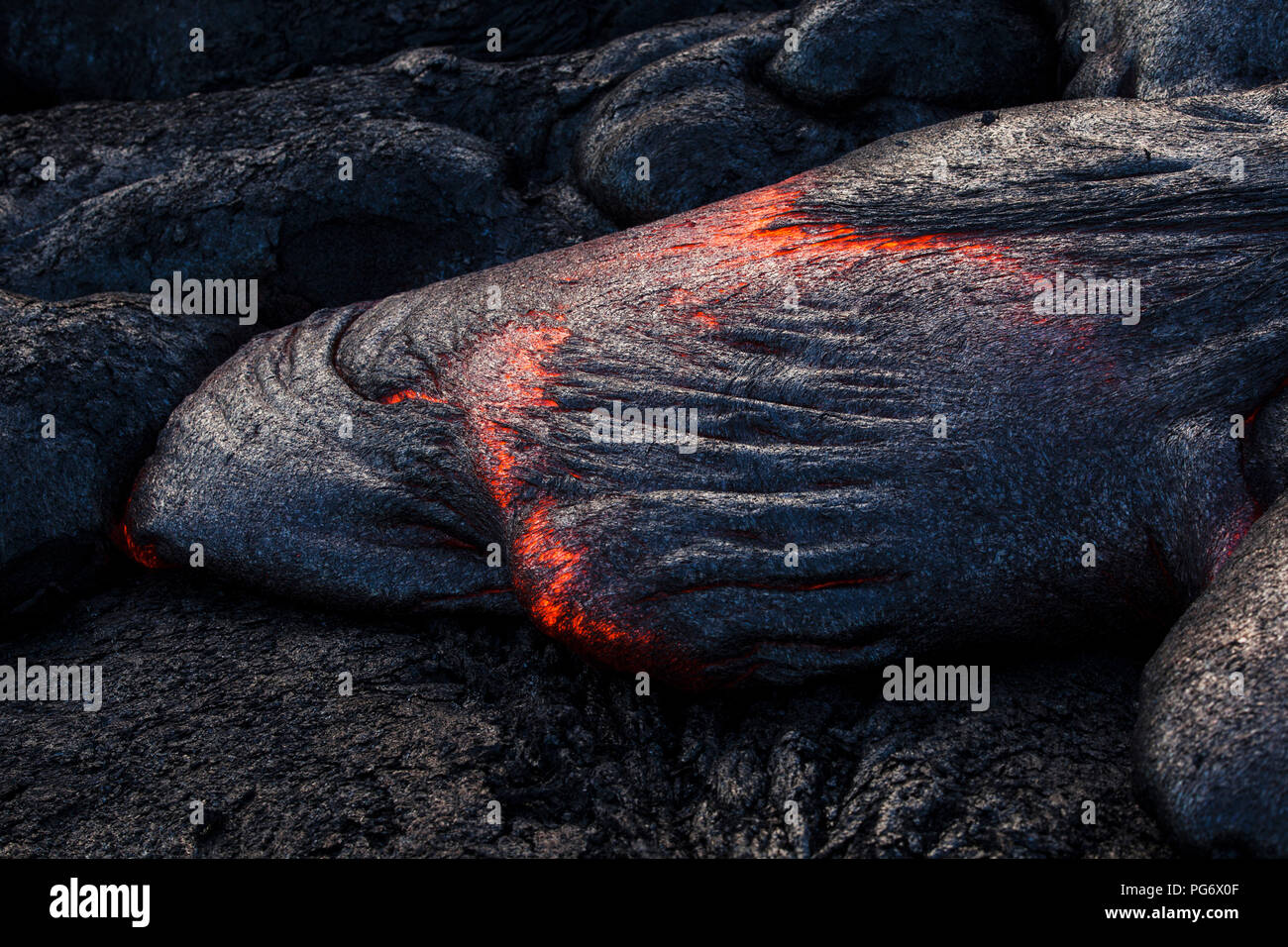 USA, Hawaii, Big Island, Volcanoes National Park, lava flowing from Pu'u O'o' volcano - Stock Image