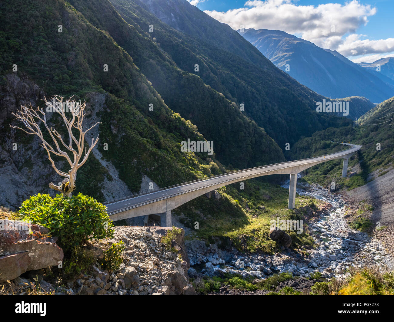 New Zealand, South Island, Canterbury Region, Arthur's Pass National Park, bridge at Arthur's Pass - Stock Image