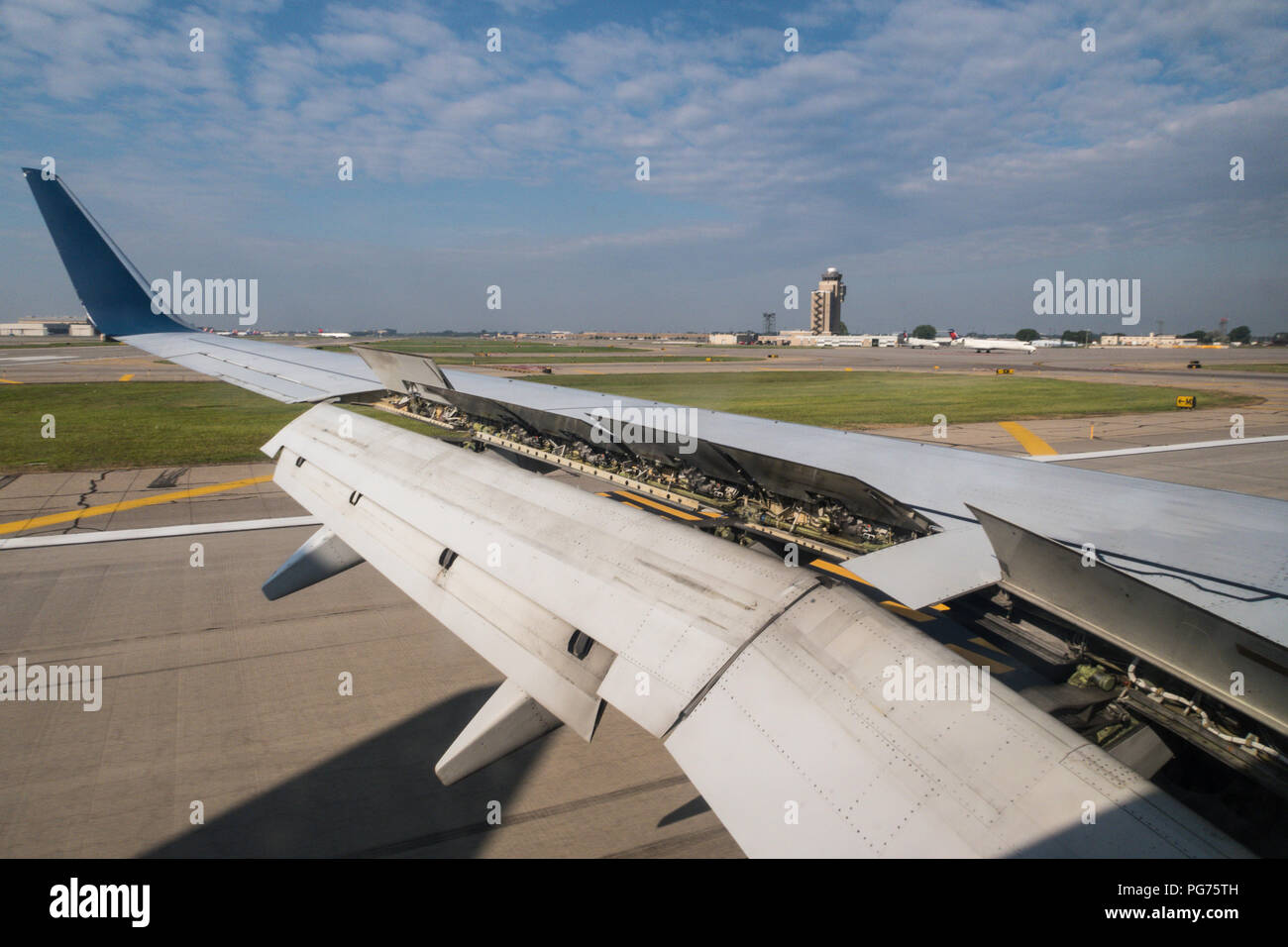 Aircraft Landing with Flaps Up, USA - Stock Image