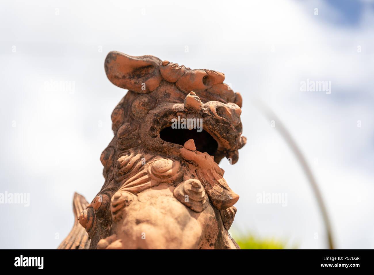 Shisa guardian lion, ceramic; Okinawa, Japan - Stock Image