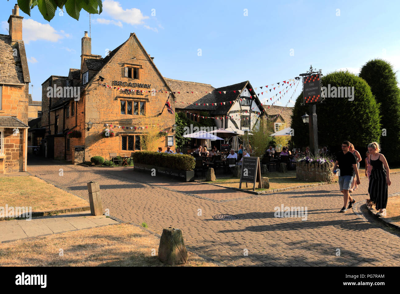 Street scene at Broadway village ,Worcestershire, England, UK - Stock Image